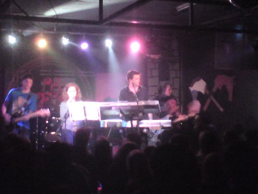 APERITIV Band... 1