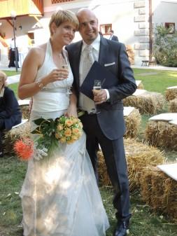 DSCN22231 253x337 - My cousin gets married