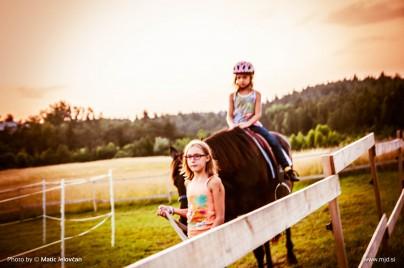 20150720  DSC1059 404x268 - HorseCamp 2015 — 4. teden