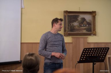 20160430 DSC01159 385x256 - Spring Church Retreat