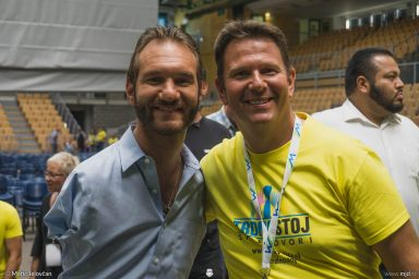 20160928 DSC05420 384x256 - Nick Vujicic in Slovenia, 2016
