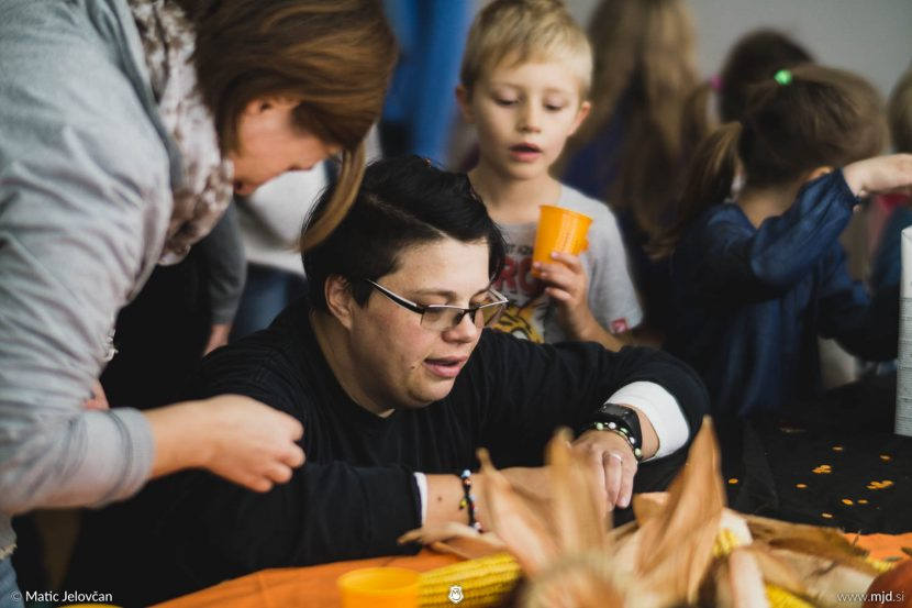 20161008 DSC07469 830x553 - Harvest Party with the Church for kids
