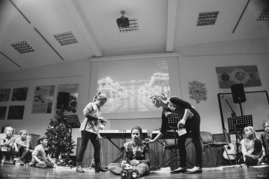"20161211 181642 DSC02237 fullsize 384x256 - ""Poseben Si"" Christmas Children's show in Radovljica"