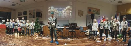"20161211 182007 DSC02276 Pano Edit fullsize 454x162 - ""Poseben Si"" Christmas Children's show in Radovljica"
