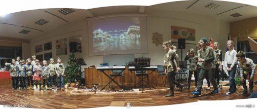 "20161211 182915 DSC02350 Pano fullsize 507x215 - ""Poseben Si"" Christmas Children's show in Radovljica"