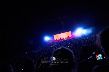 2017 10 21 19.35.50 DSC0591 web wm 384x255 - Hillsong in Budapest with my Nikon