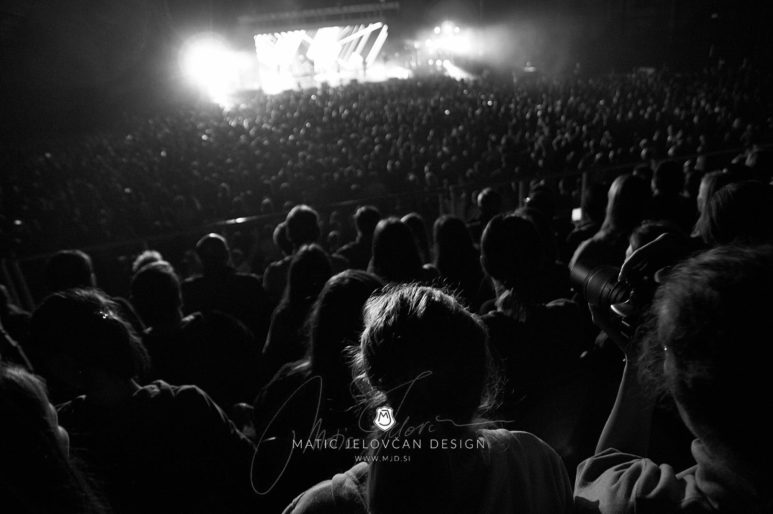 2017 10 21 19.37.30 DSC0619 web wm 773x514 - Hillsong in Budapest with my Nikon