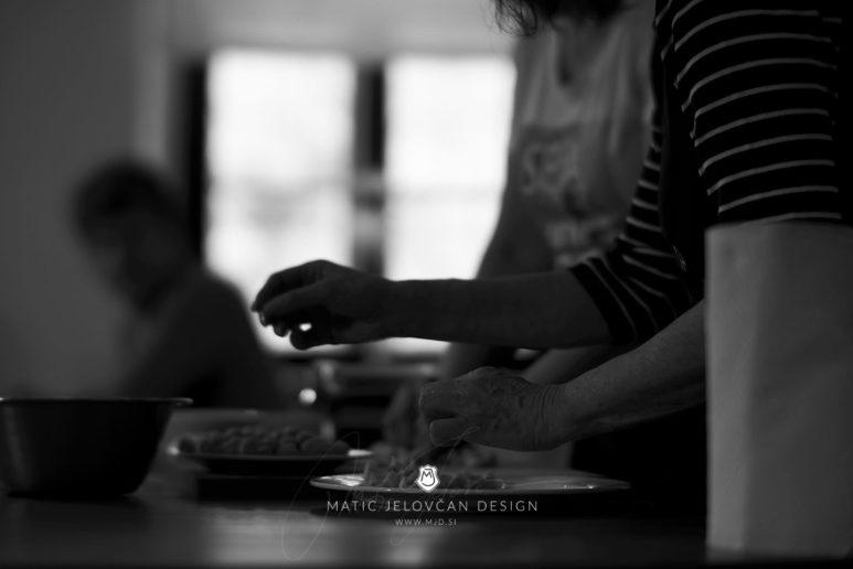 "18 5 24 12 02 16 DSC07617  JPEG web 773x516 - Culinary Innovation: ""Chocolate žlikrofi"""