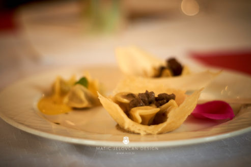 "18 5 24 12 24 11 DSC07718  JPEG web 493x329 - Culinary Innovation: ""Chocolate žlikrofi"""