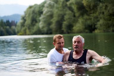 18 9 8 15 32 18 DSC03775  JPEG web 384x256 - 5 Baptisms