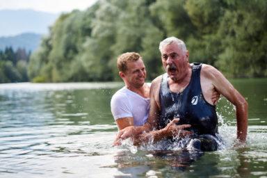 18 9 8 15 32 21 DSC03785  JPEG web 384x256 - 5 Baptisms