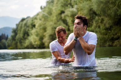 18 9 8 15 33 55 DSC03832  JPEG web 385x256 - 5 Baptisms