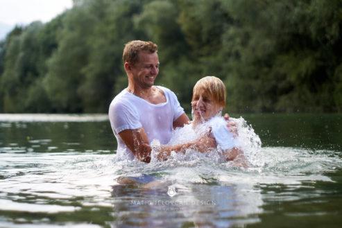 18 9 8 15 35 04 DSC03873  JPEG web 493x329 - 5 Baptisms
