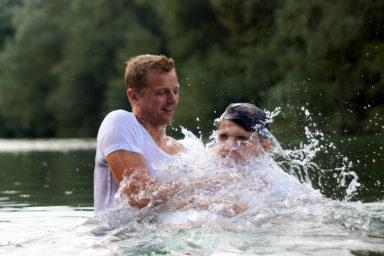 18 9 8 15 36 27 DSC03923  JPEG web 384x256 - 5 Baptisms