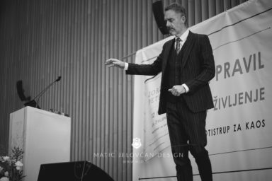 18 11 18 0006 strbunk  MJD 384x256 - That day, when Jordan B. Peterson spoke in Slovenia