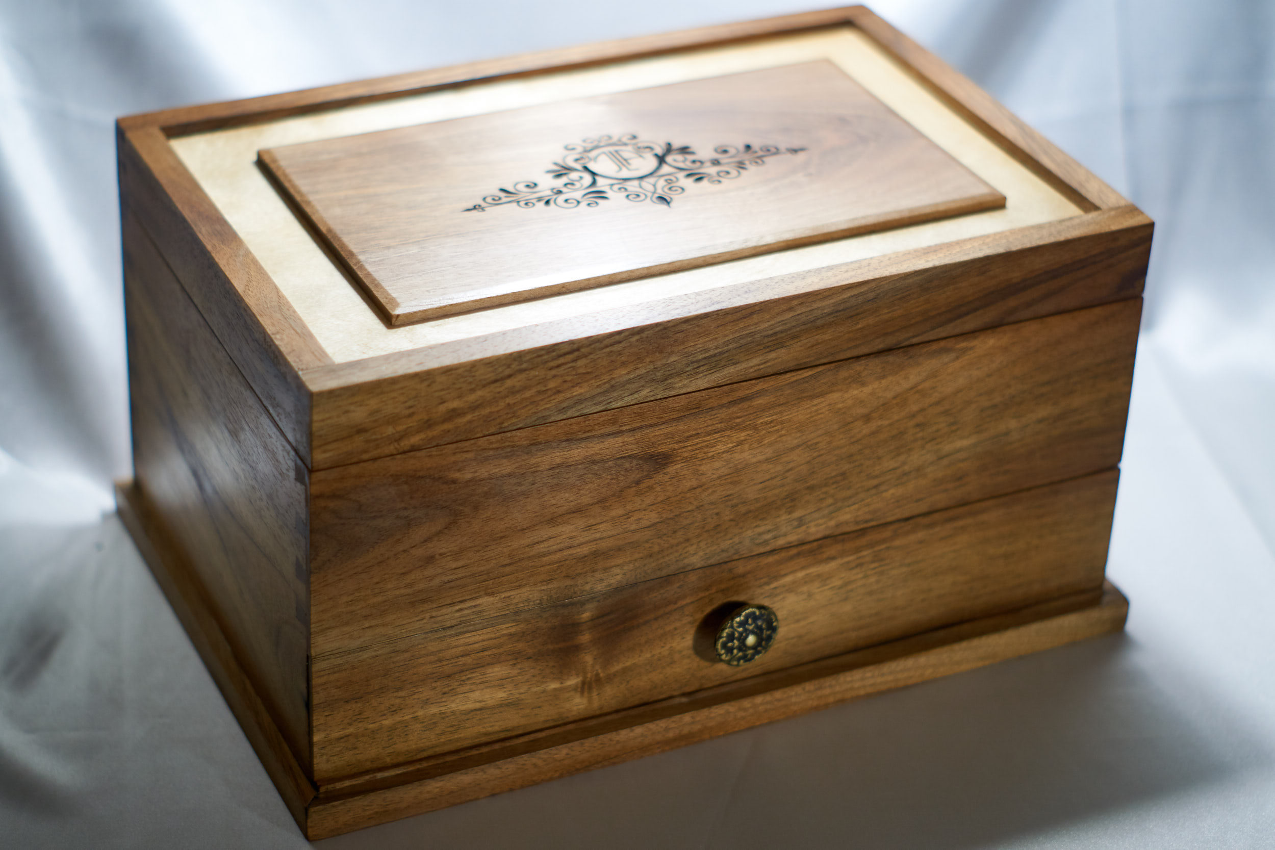 19 4 20 0001 medium  MJD - Dovetailed Jewelry Box