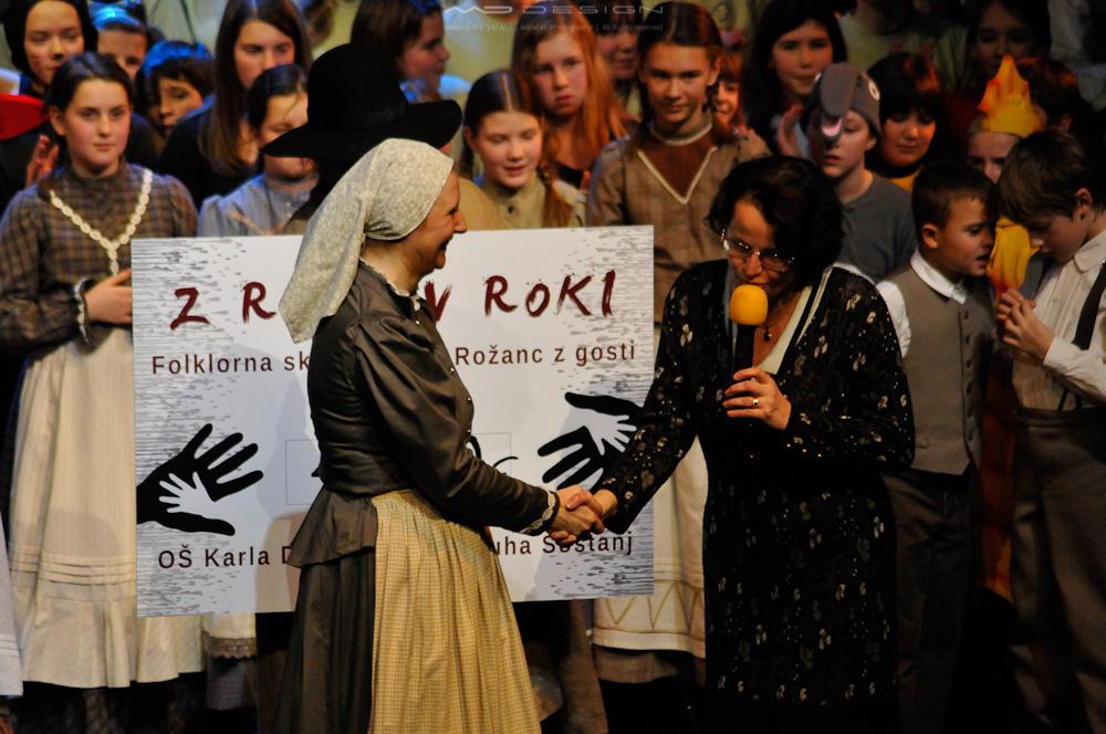 Folklore group Tine Rožanc show - MGL 5.1.2013 8