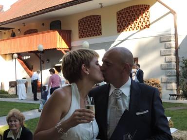 DSCN22251 384x288 - My cousin gets married
