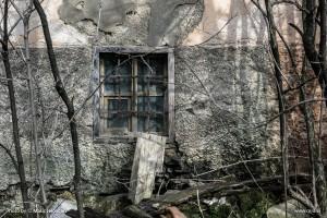 20160224 DSC07183 300x200 - The unbroken window