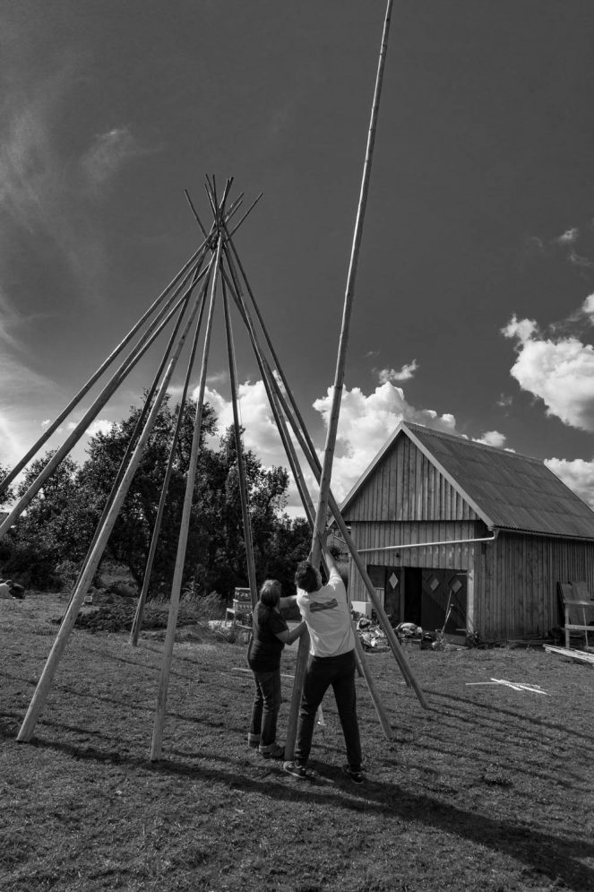 20160603 DSC02820 663x995 - Tipi is up...
