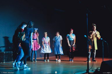 "20160806  DSC4302 385x255 - ""Alien"", Performing Arts Camp 2016 Show"