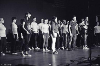 "20160806  DSC4415 385x255 - ""Alien"", Performing Arts Camp 2016 Show"