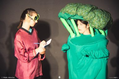 "20160807 DSC02342 384x256 - ""Alien"", Performing Arts Camp 2016 Show"