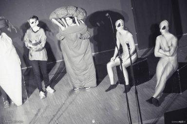 "20160807 DSC02345 384x256 - ""Alien"", Performing Arts Camp 2016 Show"