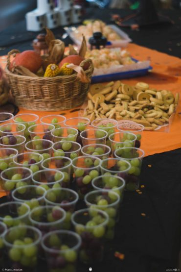 20161008 DSC07543 370x555 - Harvest Party with the Church for kids