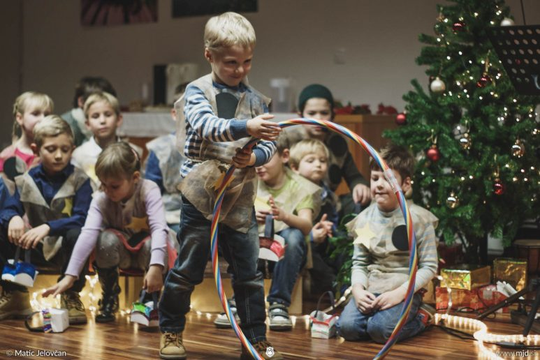 "20161211 181433 DSC02202 fullsize 773x516 - ""Poseben Si"" Christmas Children's show in Radovljica"