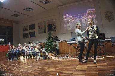 "20161211 181523 DSC02218 fullsize 384x256 - ""Poseben Si"" Christmas Children's show in Radovljica"