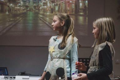 "20161211 181713 DSC02245 fullsize 384x256 - ""Poseben Si"" Christmas Children's show in Radovljica"