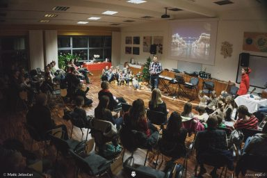 "20161211 182432 DSC02330 fullsize 384x256 - ""Poseben Si"" Christmas Children's show in Radovljica"