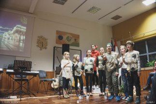 "20161211 182855 DSC02346 fullsize 323x215 - ""Poseben Si"" Christmas Children's show in Radovljica"