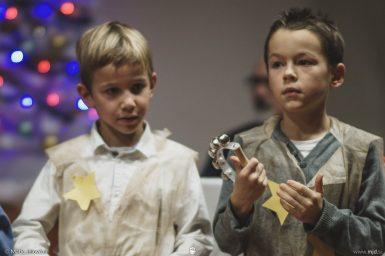 "20161211 182958 DSC02362 fullsize 385x256 - ""Poseben Si"" Christmas Children's show in Radovljica"