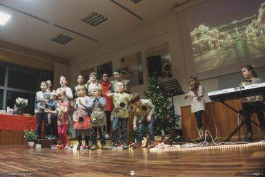 "20161211 183049 DSC02381 fullsize 384x256 - ""Poseben Si"" Christmas Children's show in Radovljica"