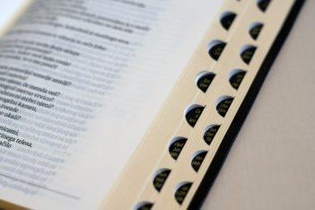 "112919 DSC01407 10mp 351x234 - ""New"" Chráska Bible in Slovene"