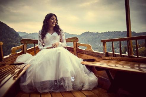 2017 09 29 17.41.12DSC07611 Web 493x329 - Post-Wedding Photography