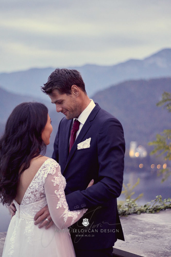2017 09 29 19.00.59DSC08427 Web 664x995 - Post-Wedding Photography
