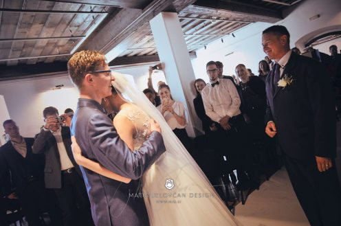 2017 10 07 14.31.27 DSC9154 0 Web wm 496x329 - Laura & Paul's International Wedding