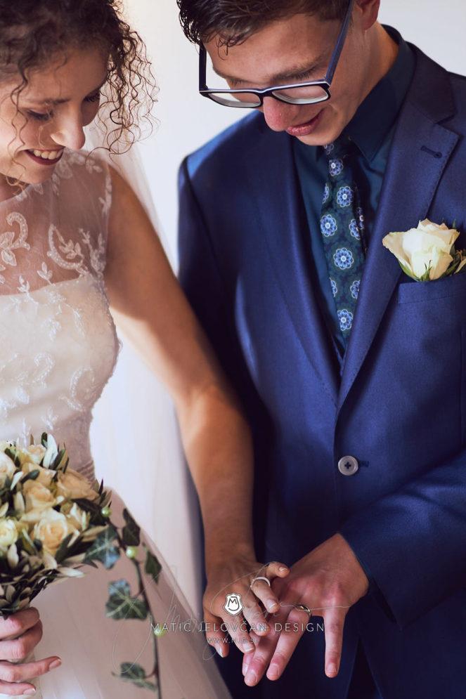 2017 10 07 15.21.48DSC09830 0 Web wm 663x995 - Laura & Paul's International Wedding