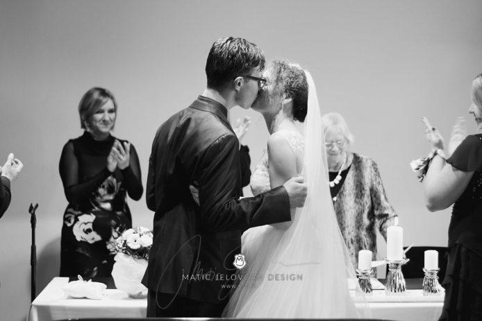 2017 10 07 16.12.06DSC00034 0 1 Web wm 694x463 - Laura & Paul's International Wedding