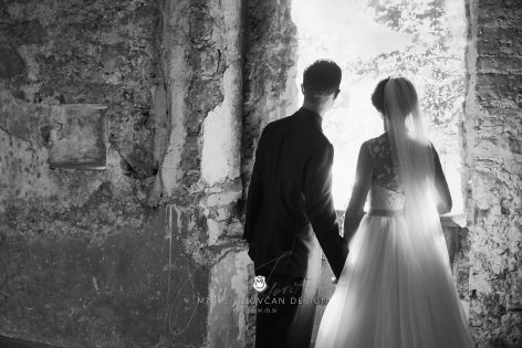 2017 10 07 16.53.35DSC00493 0 Web wm 472x315 - Laura & Paul's International Wedding