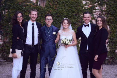 2017 10 07 17.09.24DSC00733 0 Web wm 384x256 - Laura & Paul's International Wedding