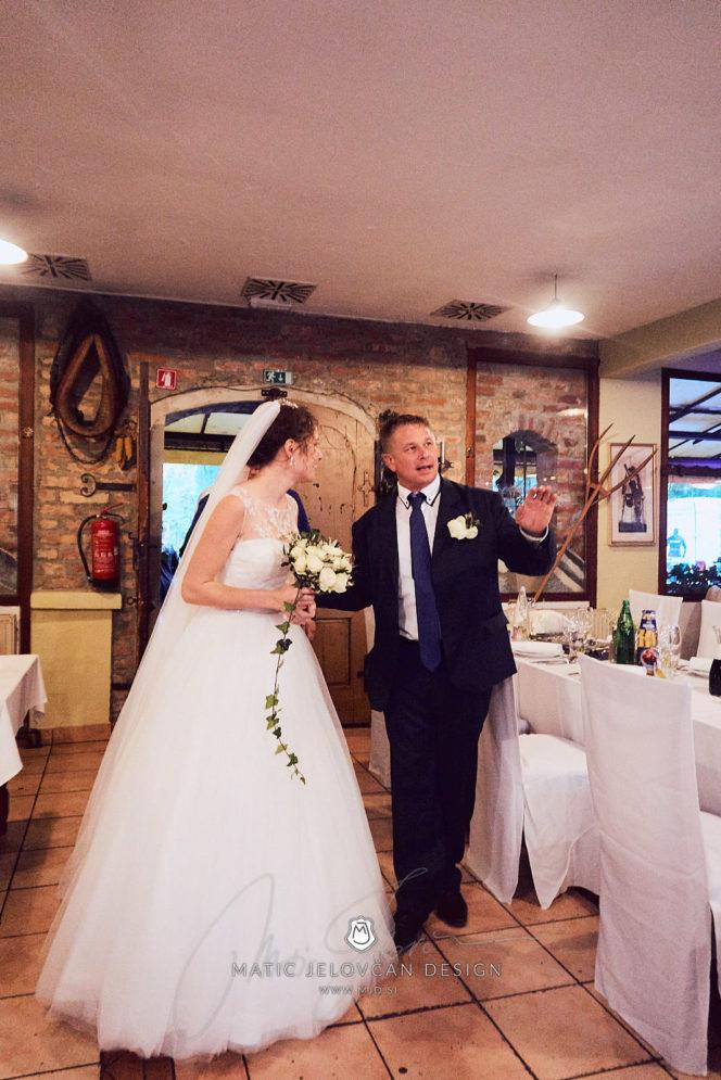 2017 10 07 18.07.37DSC01173 0 Web wm 664x995 - Laura & Paul's International Wedding