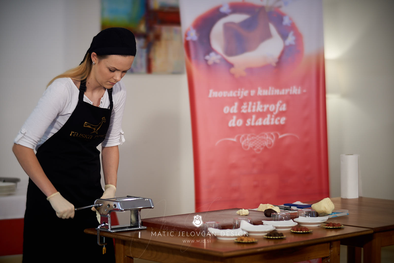 "18 5 24 12 18 56 DSC07692  JPEG web - Culinary Innovation: ""Chocolate žlikrofi"""