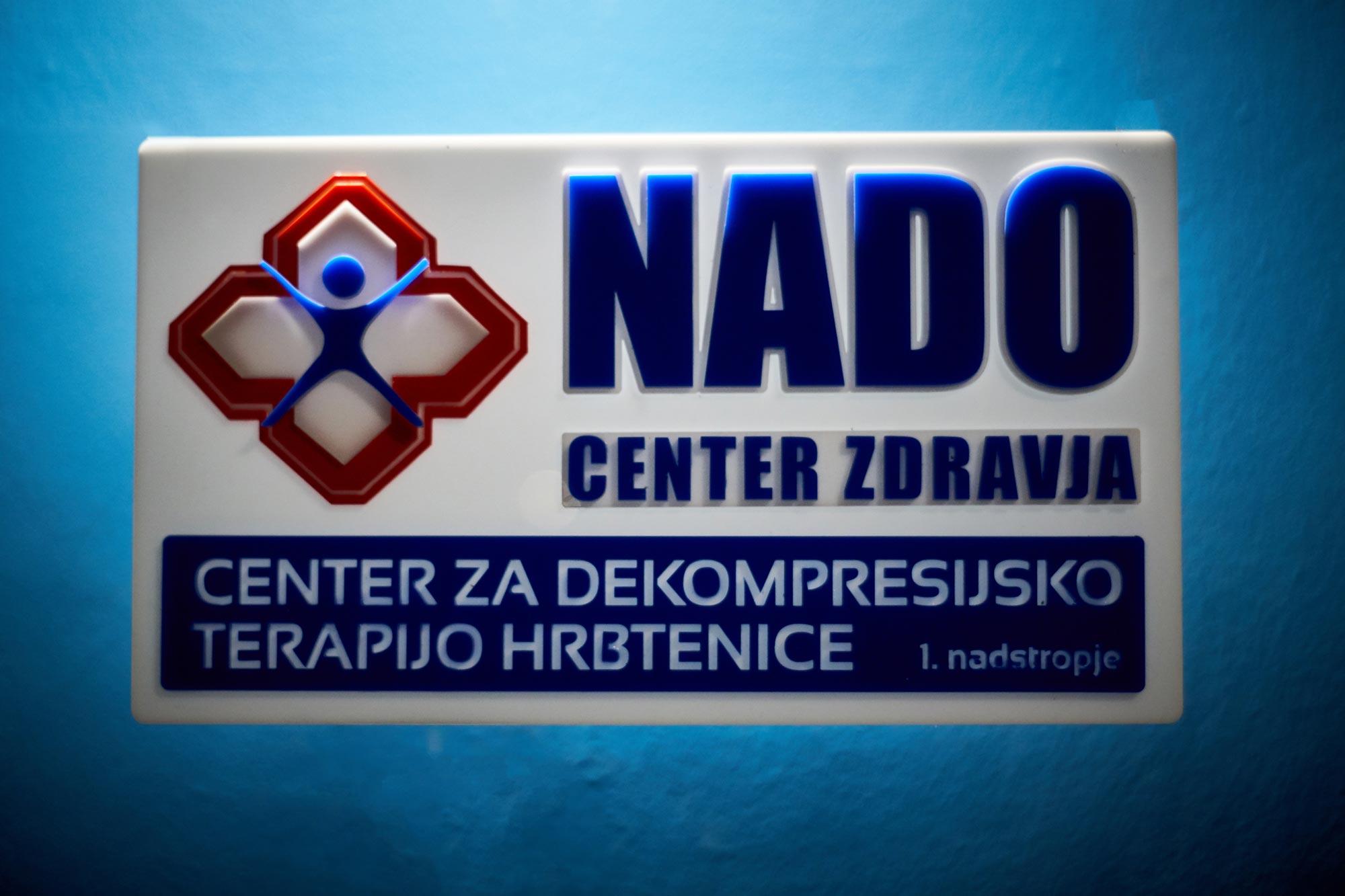 19 3 13 0002 full  MJD 1 - 3D znak za NADO center iz pleksi stekla