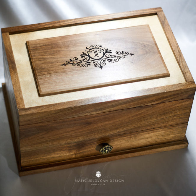 19 4 20 0027 web  MJD 663x663 - Dovetailed Jewelry Box