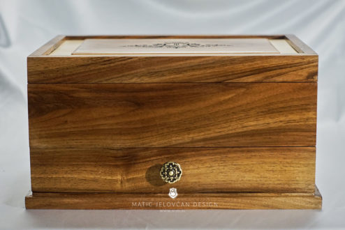 19 4 20 0042 web  MJD 494x330 - Dovetailed Jewelry Box