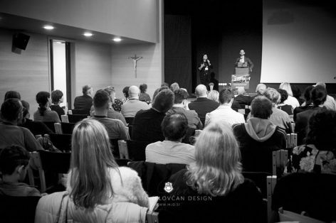 "19 9 28 0075 web  MJD 472x314 - Ninth Seminar ""Successful Business Life"""